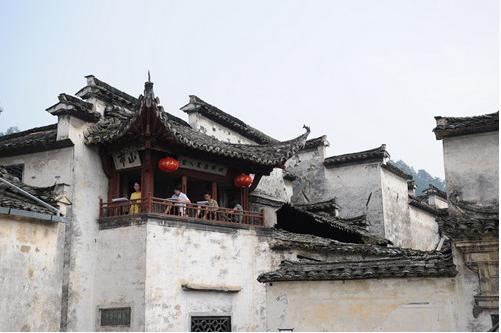 西递村—山环水绕卧青牛,数百民居犹存
