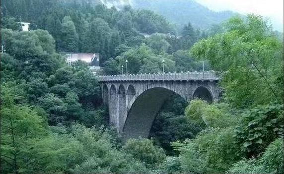 黄山揽胜桥